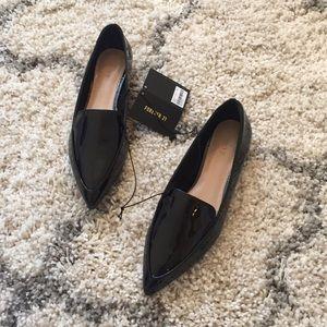 Shiny Black Flats NWT ❤️